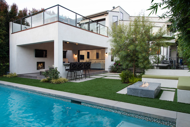 California Contemporary House - Contemporary - Patio - Los Angeles ...