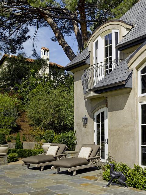 California Maison traditional-patio