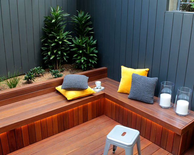 Camperdown courtyard built in seating contemporary patio sydney by quercus gardens