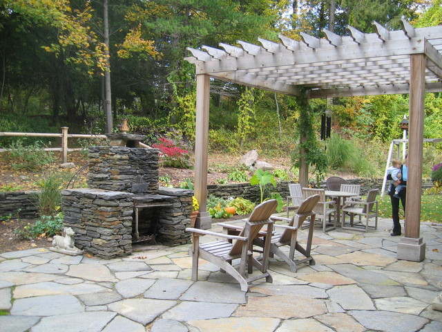 Cape in the Valley traditional-patio