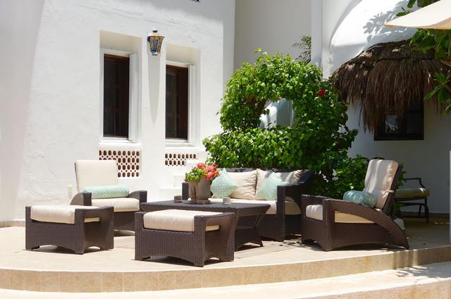 Casa Del Secreto Tropical Patio Mexico City By