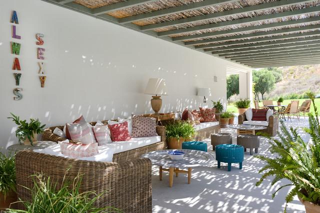 Casa en medio del campo en sotogrande   mediterráneo   patio ...