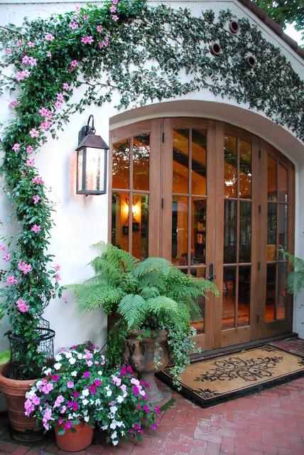 Casa Smith's California Garden mediterranean-landscape