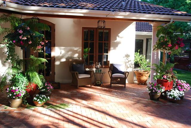 Casa Smith's California Garden - Mediterranean - Patio ...