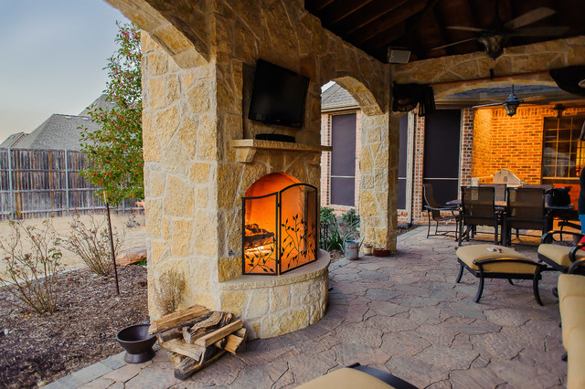 Castle hills tx traditional patio dallas by for Dallas outdoor kitchens