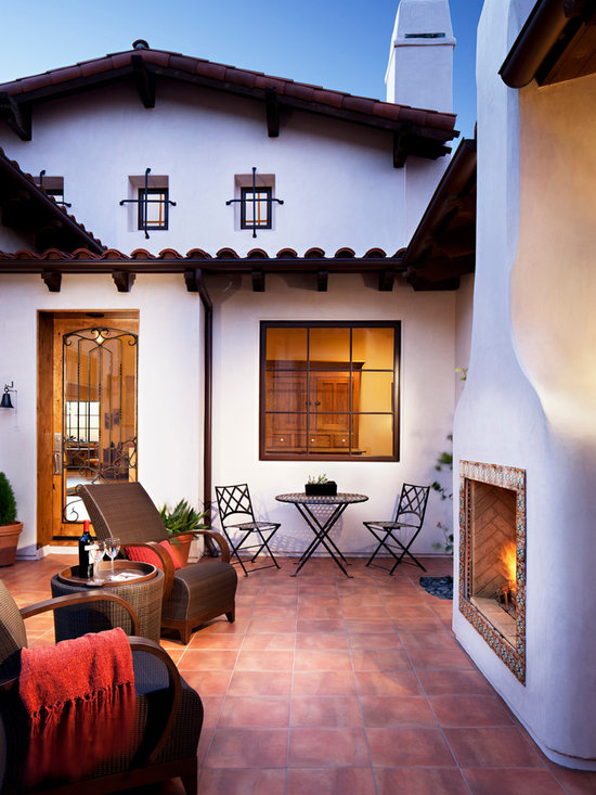 Mediterranean home photos find mediterranean homes and for Spanish style outdoor fireplace
