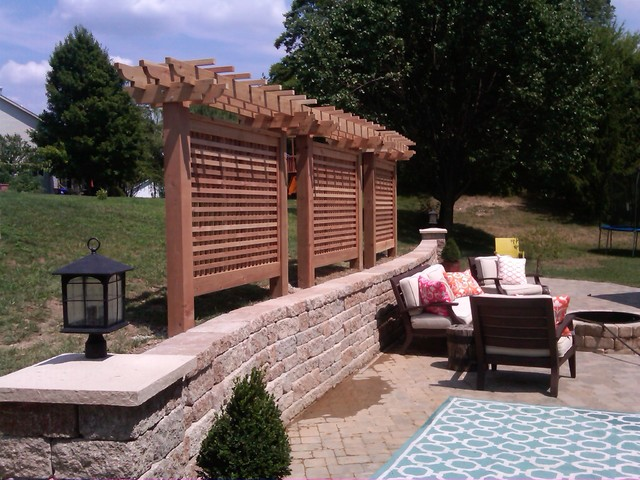 Cedar privacy screen modern patio st louis by for Privacy screen ideas for backyard