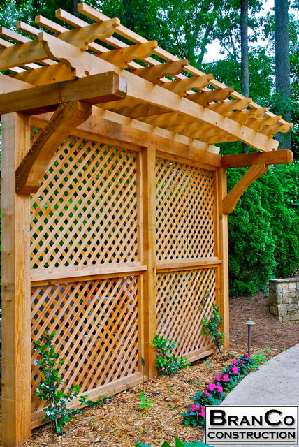 Cedar Privacy Screen With Arbor