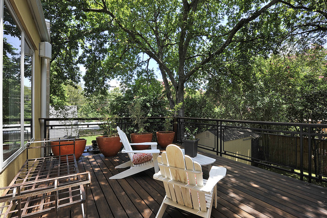 Central Austin Residence: Exterior transitional-patio