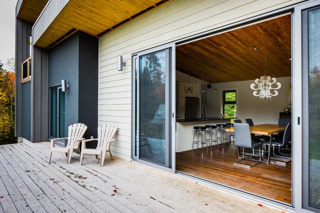 chalet Bolton-Est traditional-patio