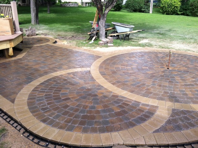 Circular paver patio modern patio minneapolis by for Circular garden decking