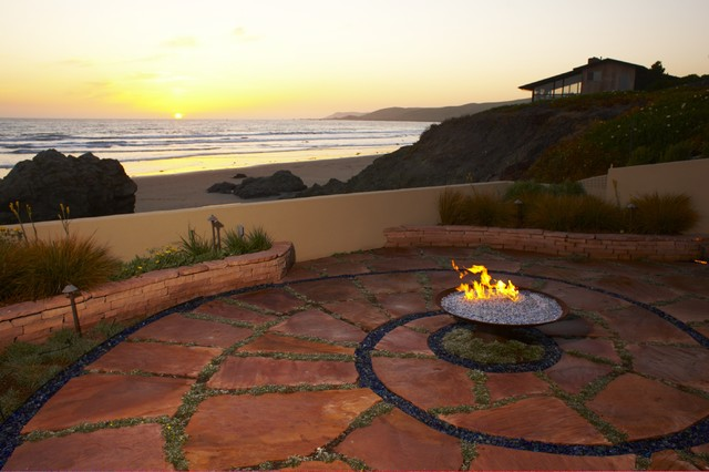 Coastal Influence eclectic patio