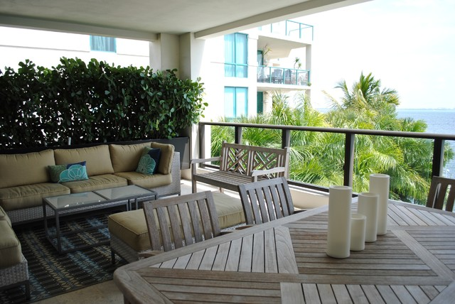 Cocout grove Apartment contemporary-patio