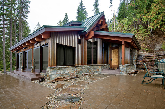 Concrete floored abode a cabin on lake wenatchee for Modern steel house