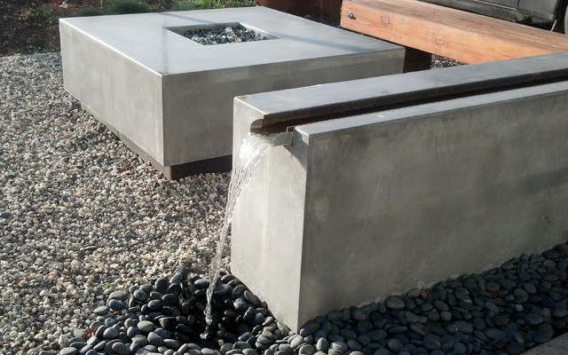 Attrayant Concrete Water Feature Bench And Fire Pit Set Modern Patio
