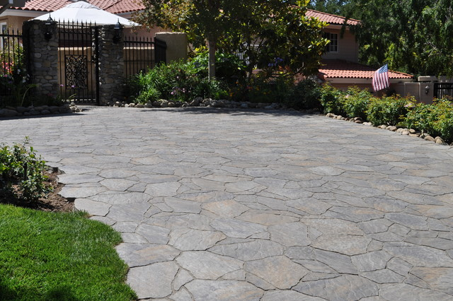 Connected Areas - Thousand Oaks - Driveway 1 contemporary-patio