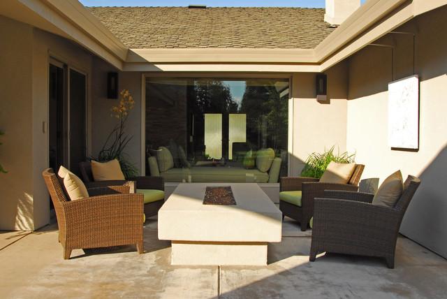 Contemporary Backyard Makeover contemporary-patio