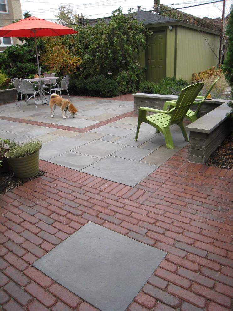 Patio - contemporary patio idea in Chicago