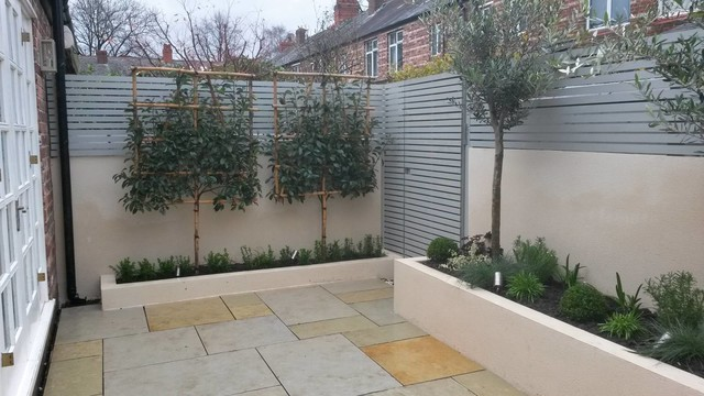 Contemporary Courtyard Didsbury Manchester - Contemporary ...