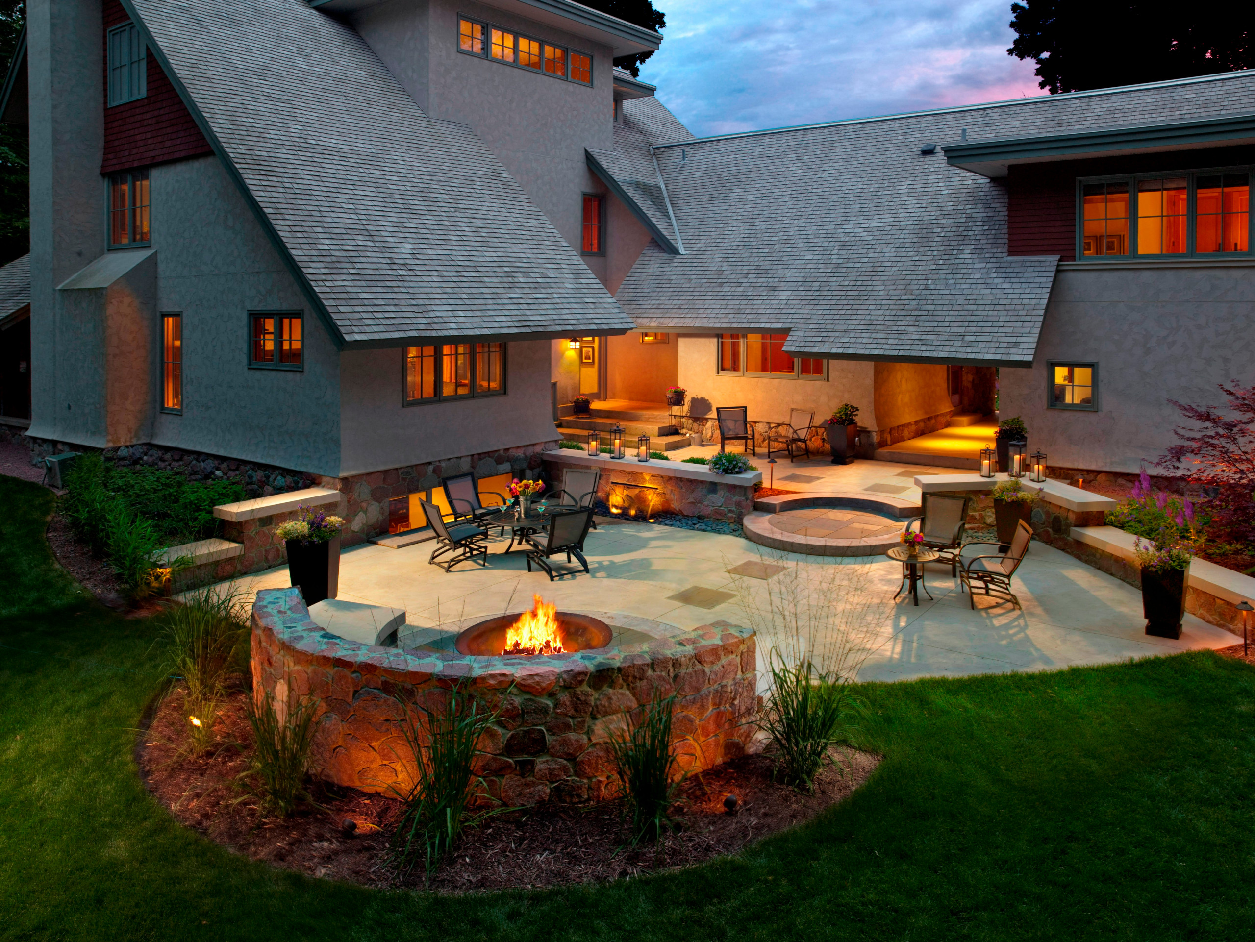 Contemporary Fire Pit - Brookfield