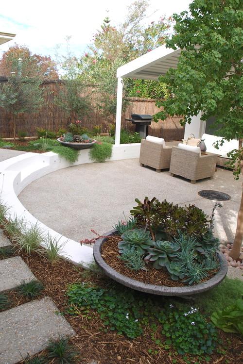 Дизайн двора частного дома фото поделки своими руками