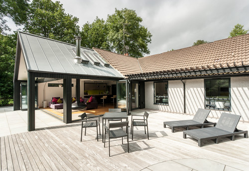 How to Make the Most of a Bungalow's Architecture