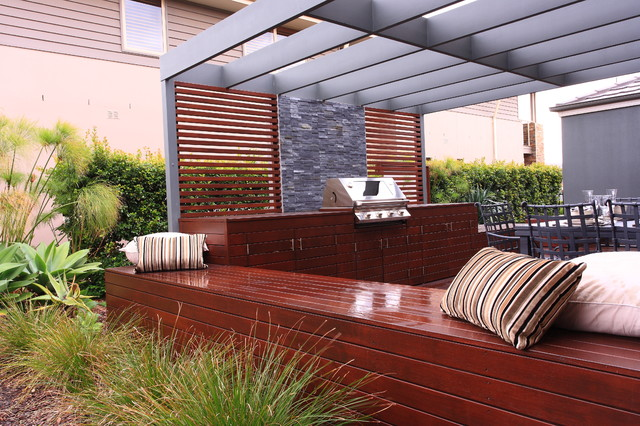 Aussie bbq deck and dining area contemporary patio for Garden design decking areas