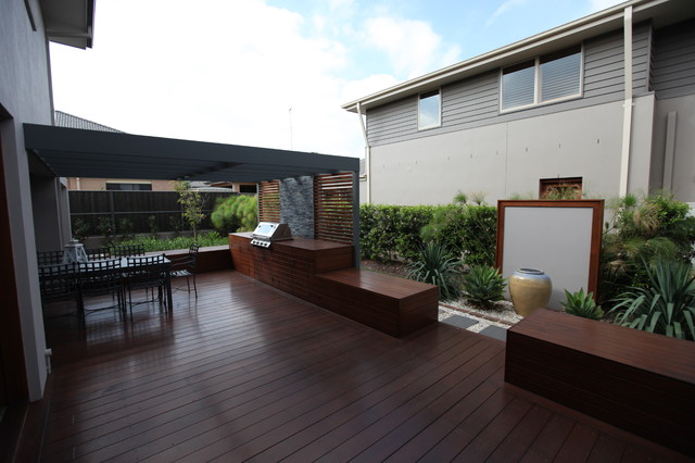 Aussie Bbq Deck And Dining Area Contemporary Patio