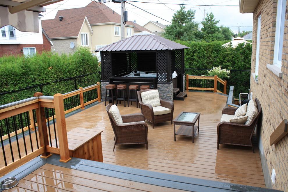 Patio - contemporary patio idea in Montreal