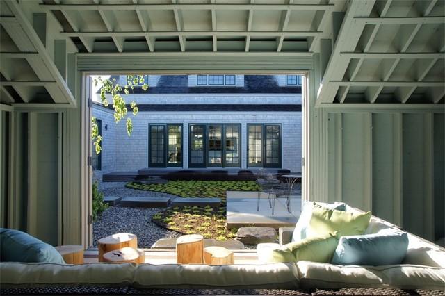Craft Modern contemporary-patio