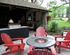 Converted Barn Indoor/Outdoor Entertainment Space farmhouse-patio
