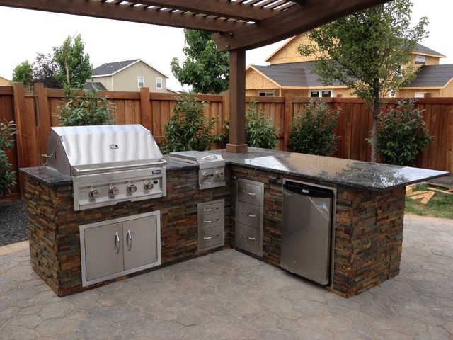 Copper Basin, Outdoor Kitchen - Traditional - Patio