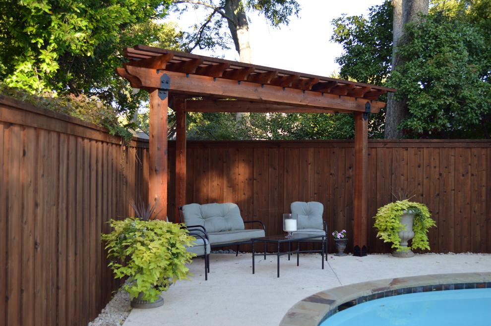 Patio - traditional patio idea in Dallas