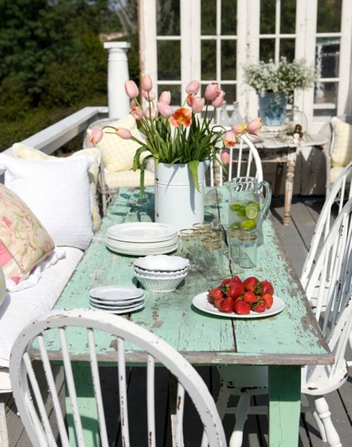 Cottage Patio Party Shabby chic Style Patio Los
