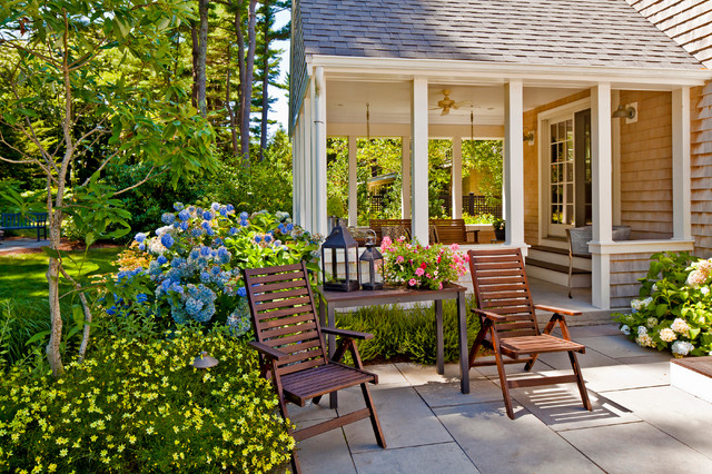Great Cottage Renovation Traditional Patio