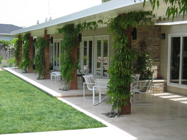 Country Club Drive contemporary-patio