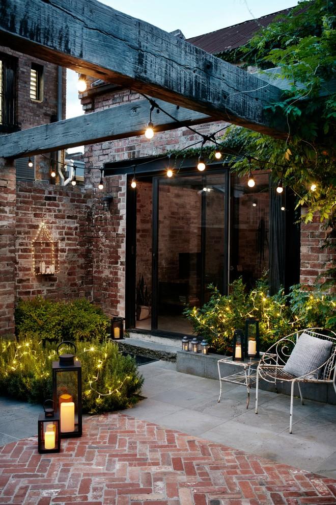 Courtyard Garden Lights - Contemporary - Patio - Melbourne ...