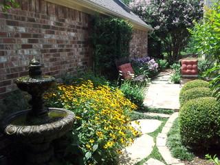 Courtyard Habitat Garden