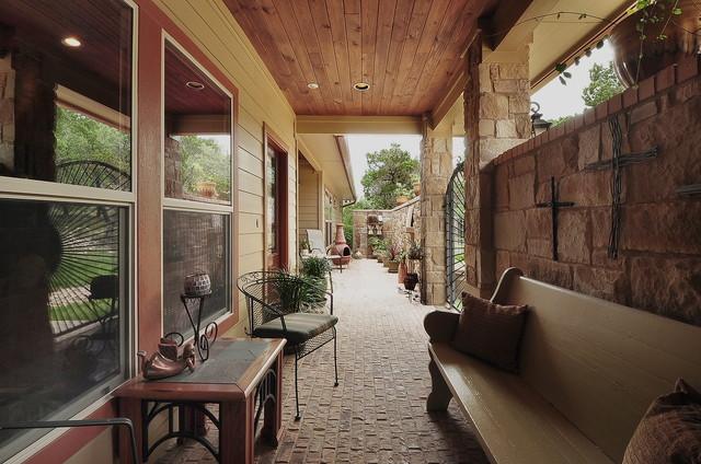 courtyard home paradise hills wimberley tx