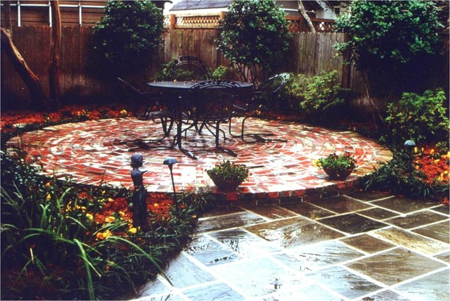 Courtyards traditional-patio