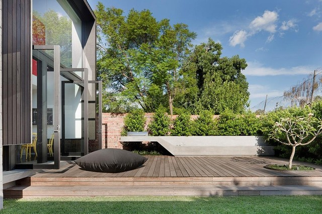 Courtyards pools gardens contemporary courtyard for Courtyard designs melbourne