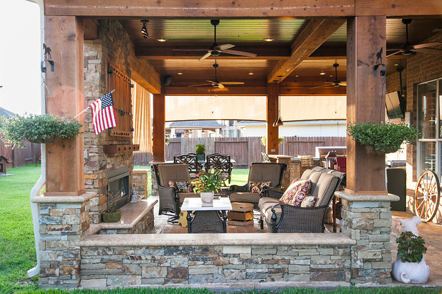 Covered patio outdoor kitchen katy tx rustic patio for Rustic covered decks