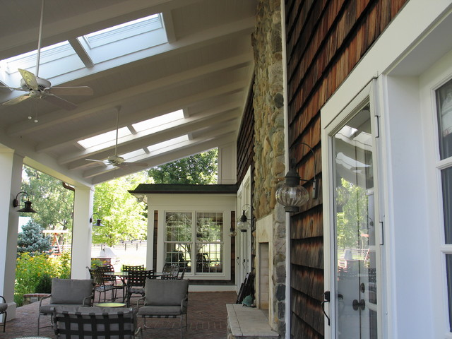 Covered Porch and Spa area traditional patio