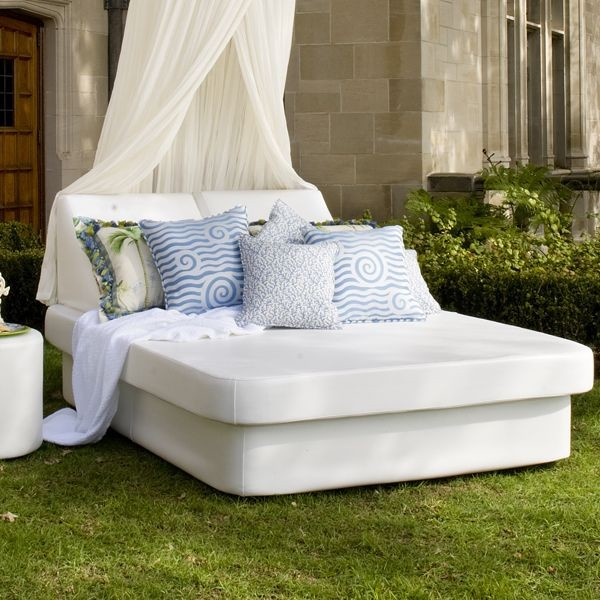 Crib and Lean Daybed outdoor-sofas
