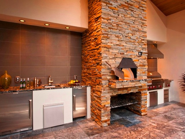Custom Charlotte Outdoor Kitchen - Wet Bar & Pizza Oven contemporary-patio