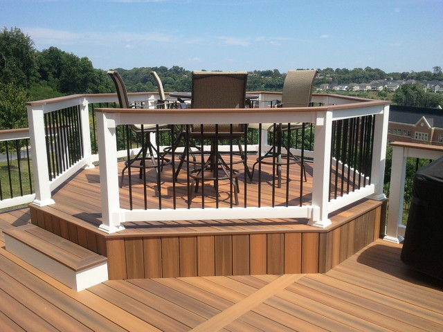 Custom Decks Traditional Patio