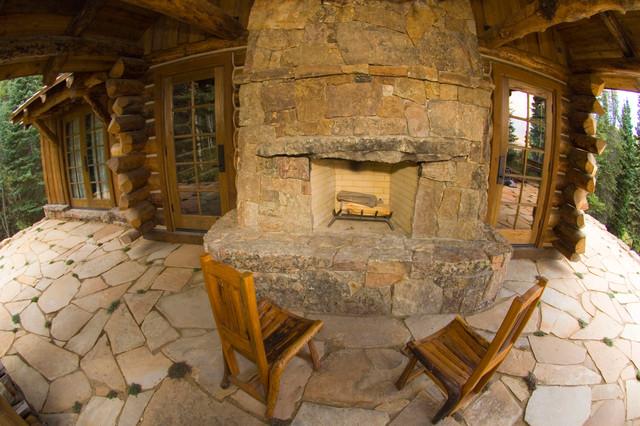Custom Design (Kremmling) traditional-patio