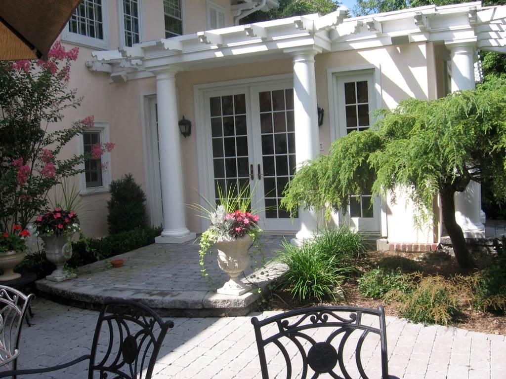 Custom Garden Decks, Patios, Pergolas & Gazebos