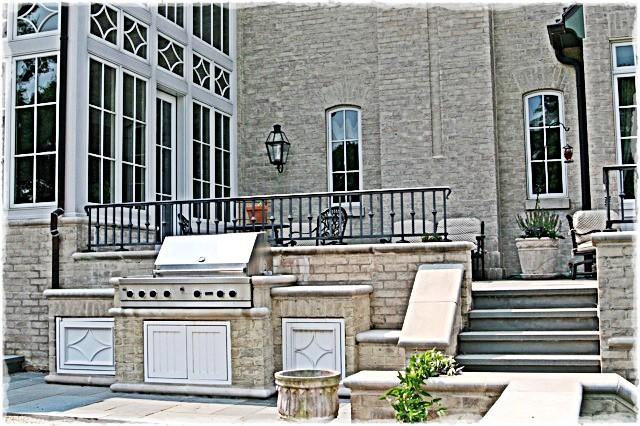 custom Grill traditional-patio