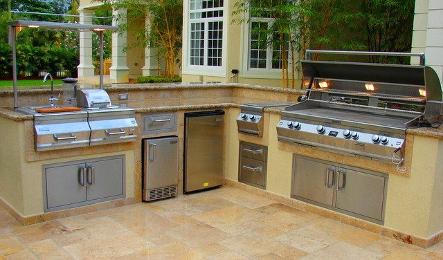 Custom Outdoor Kitchen With Raised Wet Bar Tropical